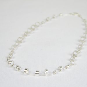 Collier à anneaux